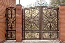 Сложные кованые ворота