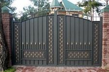 Кованые ворота средней сложности