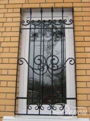 Кованая решетка на окно