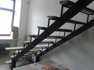 Профильная труба как несущий элемент каркаса лестницы
