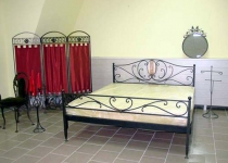 Кровать с изголовьем двуспальная F21