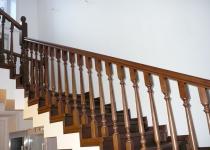 Деревянная лестница F 1
