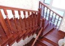 Деревянная лестница F2