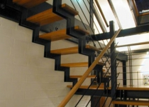 Металлокаркас лестницы L1