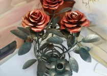 Кованая роза F38