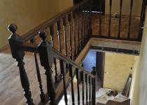 Деревянная лестница F4