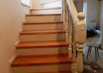 Деревянная лестница F7