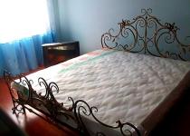 Кровать двуспальная с изголовьем F4
